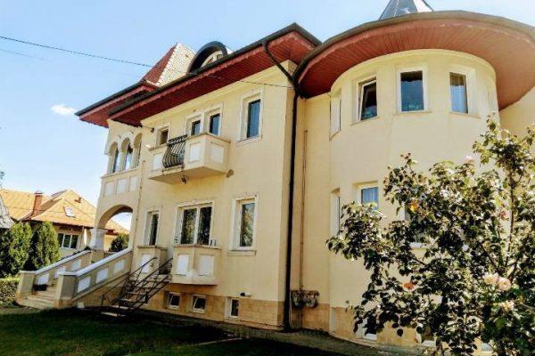 Cladirea Scolii Montessori Cluj din CLuj Napoca, str. Nicolae Draganu nr. 3